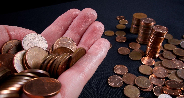 Endlich eine Verwendung für ihre Kupfermünzen. Machen Sie ihren Wein wieder frisch.
