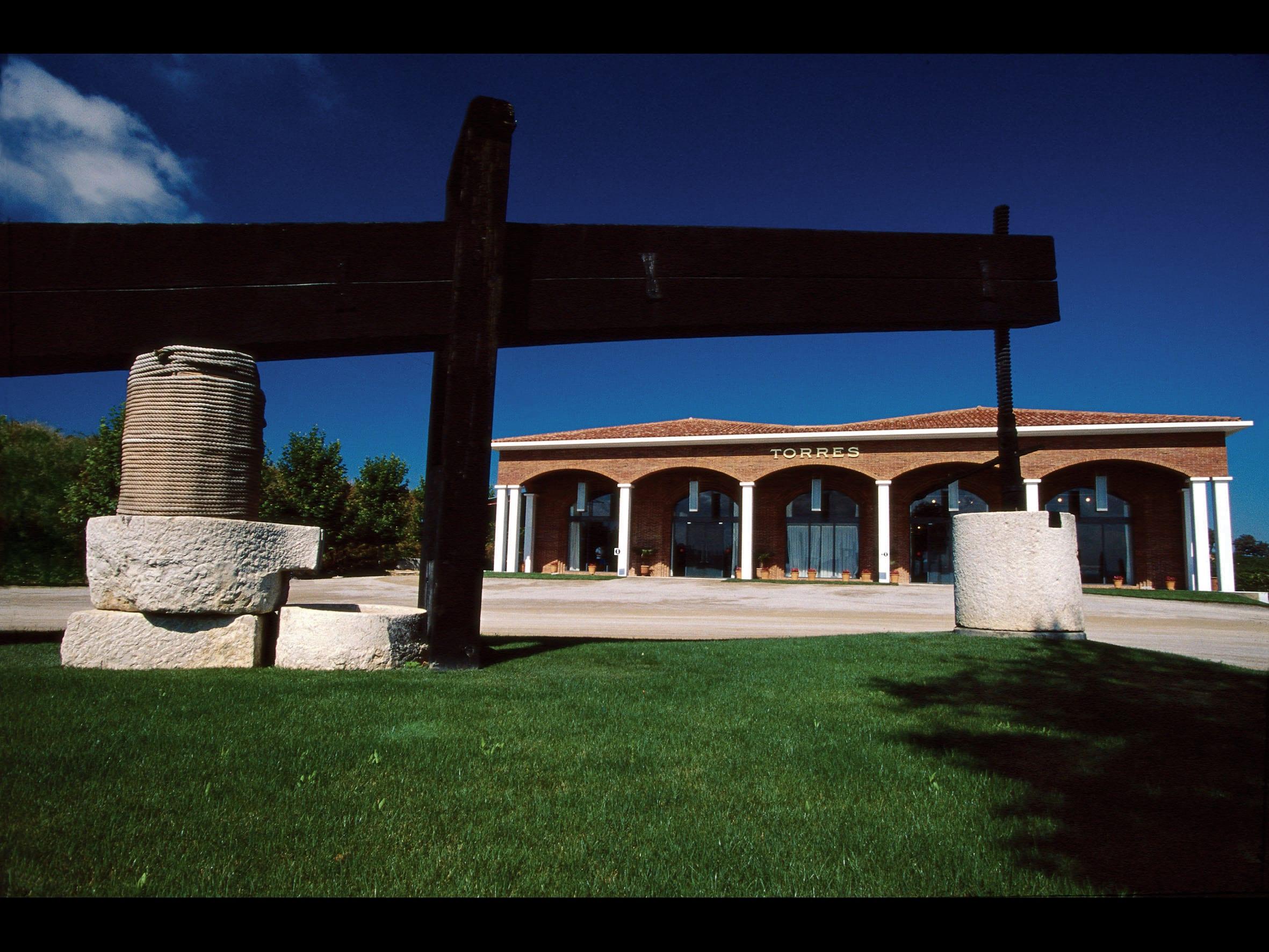 Weingut Torres, Historisches Gebäude