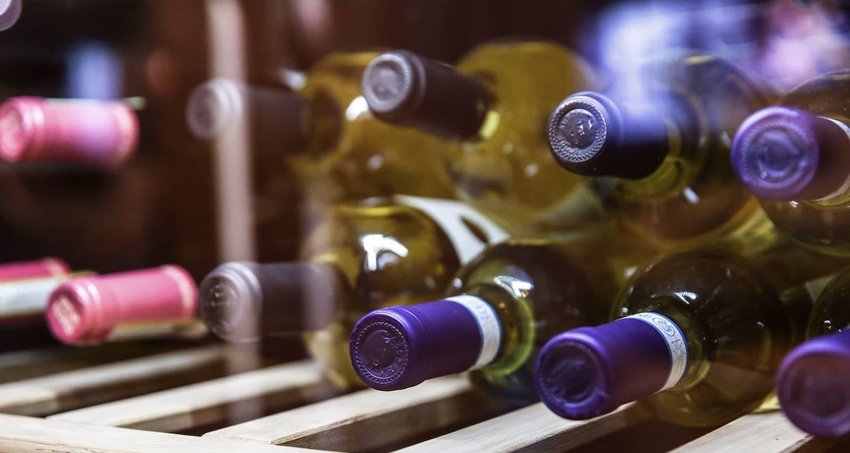 Wein in Weinkühlschrank