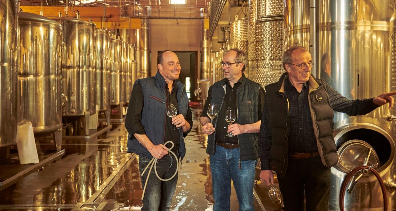 Familie Knipser im Weinkeller
